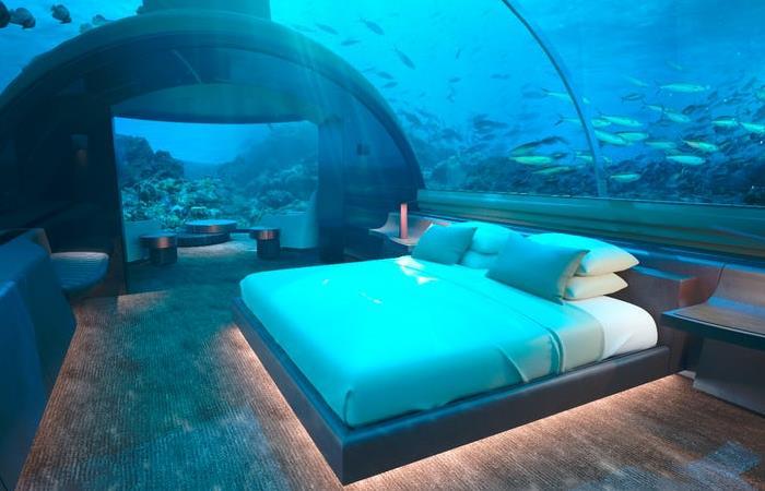 Роскошная подводная вилла на Мальдивах.