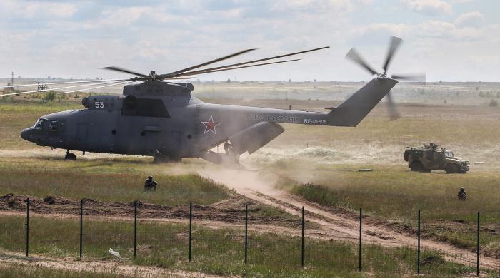 Чего за свою карьеру только не возил Ми-26. /Фото: gazeta.ru.
