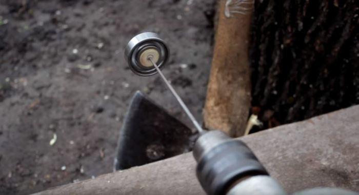 Ставим надфиль и готово. /Фото: youtube.com.