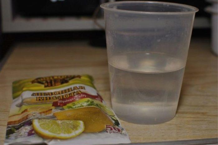 Делаем раствор лимонной кислоты. /Фото: vplate.ru.
