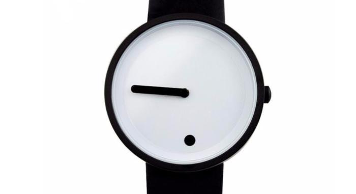 Очень скромные часы, на вид.