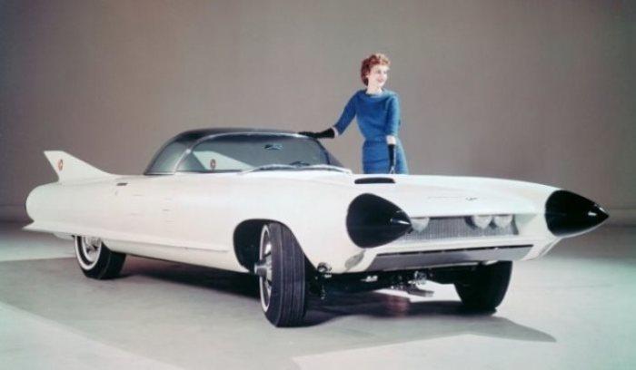 Легенда среди инноваций Cadillac Cyclone.