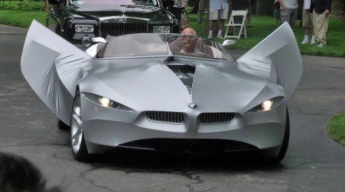 Автомобиль BMW Jina с гибким кузовом.