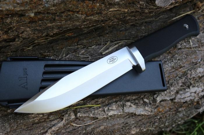 Таким ножом можно и рубить. /Фото: workwearcanada.com.
