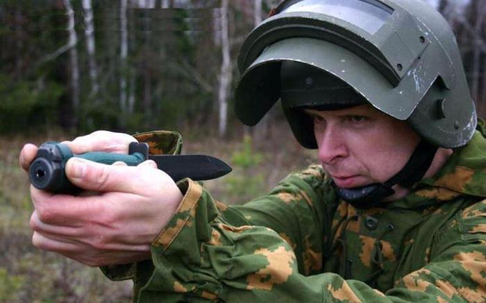 Стреляет очень тихо. /Фото: vestidosaaf.ru.