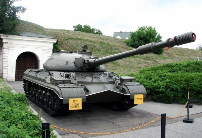 Базу взяли от танка Т-10. /Фото: history-doc.ru.
