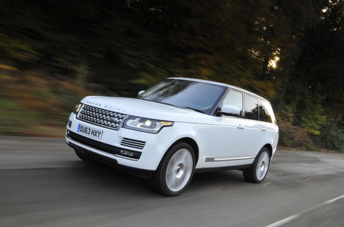 Очень дорогой автомобиль Range Rover.