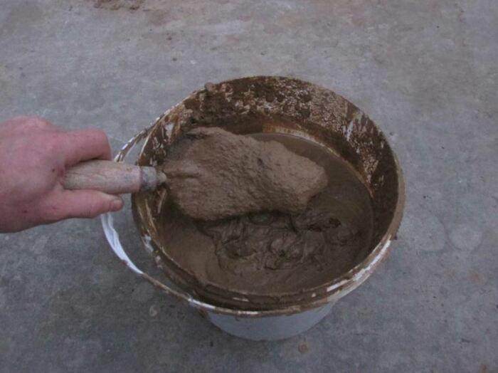Приготовить обмазку совсем не сложно. /Фото: ya.ru.