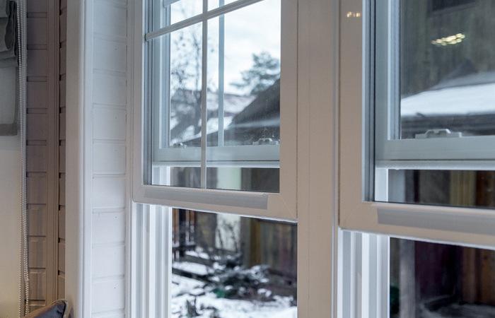 Почему в США устанавливают странные окна с поднимающимися вверх створками