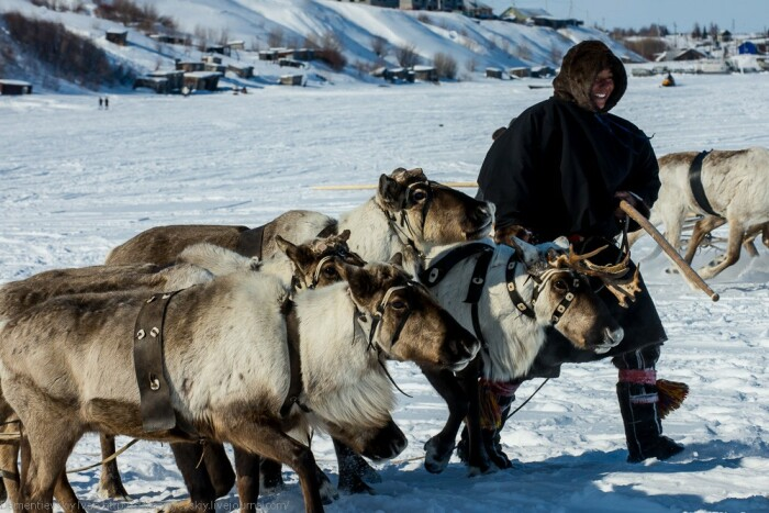 Одежда из шкур очень теплая, лучше любой современной куртки. /Фото: ya.ru.