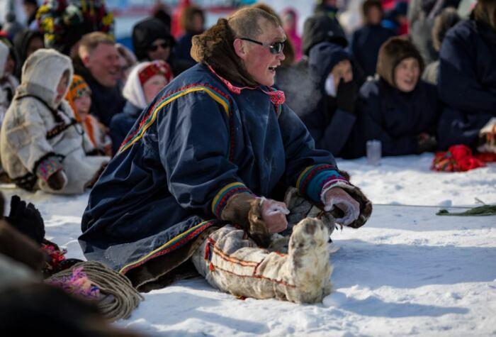 Не теплые вещи у оленеводов как правило заводские. /Фото: ruscivilization.ru.