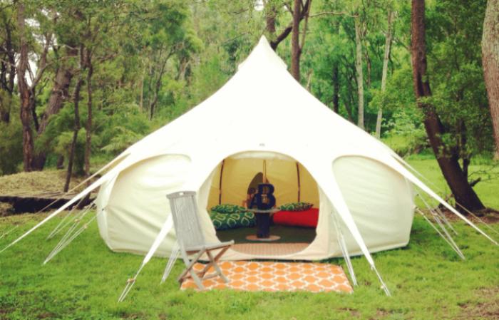 Большая палатка Lotus belle tent для отдыха и мероприятий.