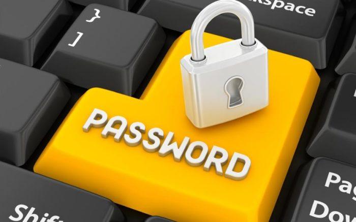 Избегает хранения паролей.