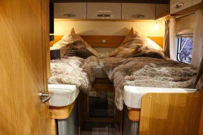 Спальных мест в домике на четверых.
