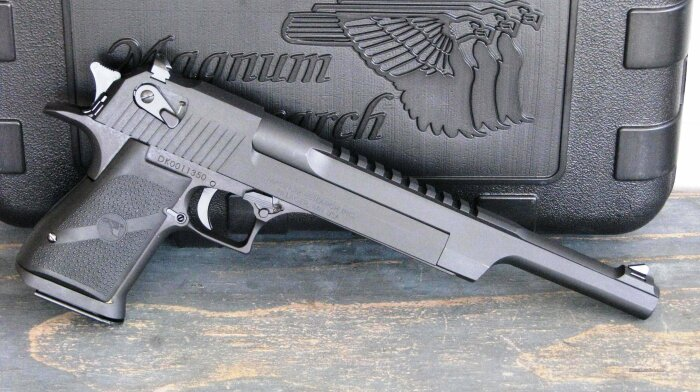За основу был взят пистолет Desert Eagle Mark XIX 44 Magnum. /Фото: gunsamerica.com.
