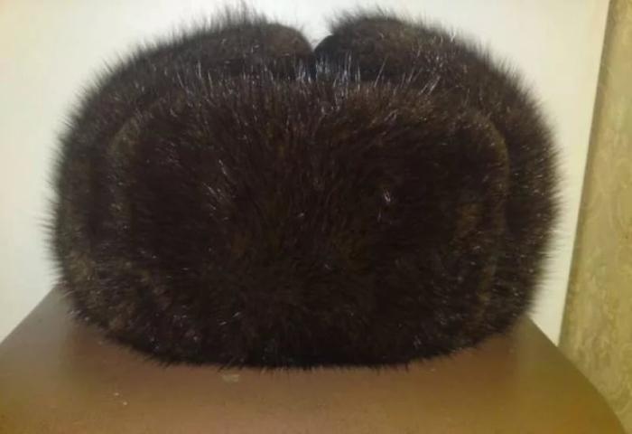 Меховые шапки были страшно популярны. /Фото: livejournal.com.