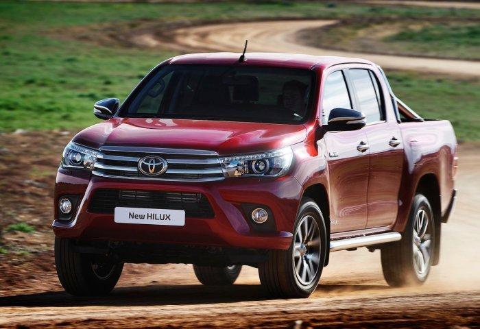 Быстрый и надежный Toyota Hilux.