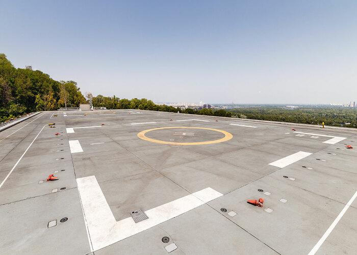 Вертолетная площадка не всегда обозначается знакомым символом. /Фото: rtlc.ru.
