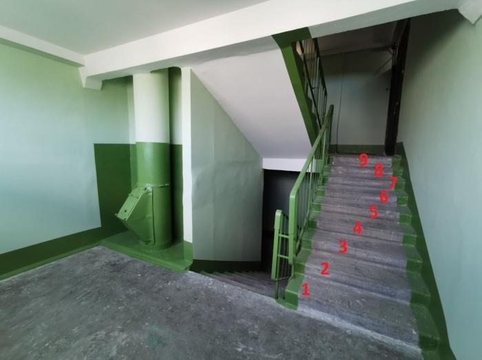 Большинство лестниц именно такие, хотя есть и исключения. /Фото: youtube.com.