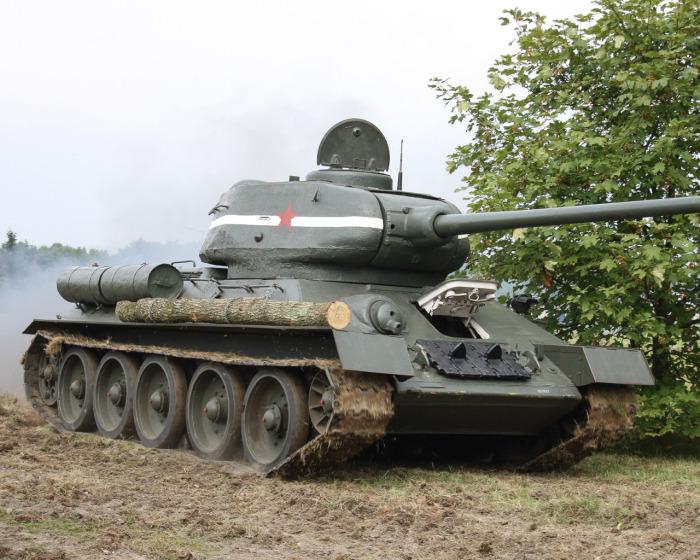 В СССР хватало своих танков и ничуть не хуже. /Фото: avto.goodfon.ru.