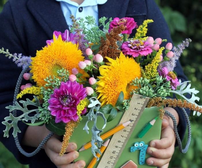 Букет цветов - это круто. /Фото: yandex.by.