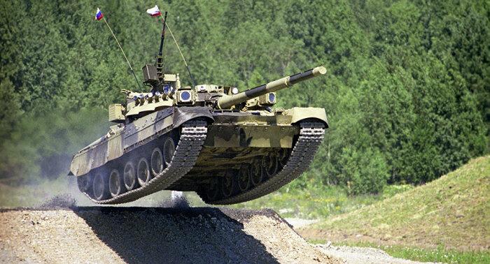 Танк жрет очень много топлива. /Фото: sputniknews.ru.