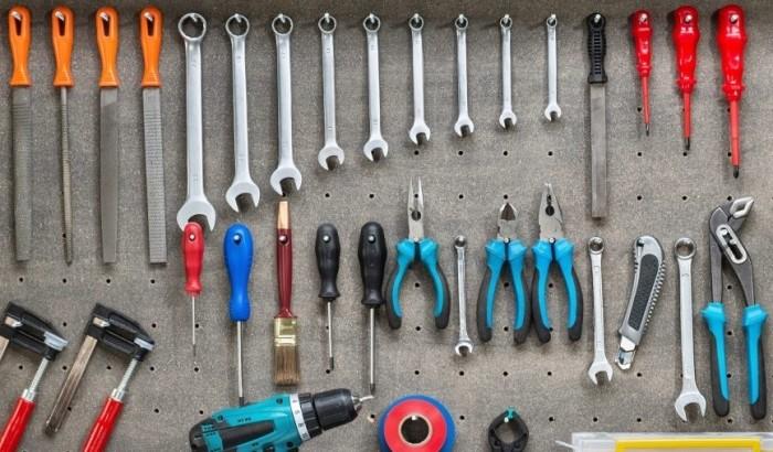 Инструменты не нужны.
