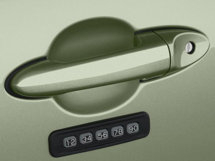 Еще одна смелая американская идея по усилению защиты авто. /Фото: drive2.com.