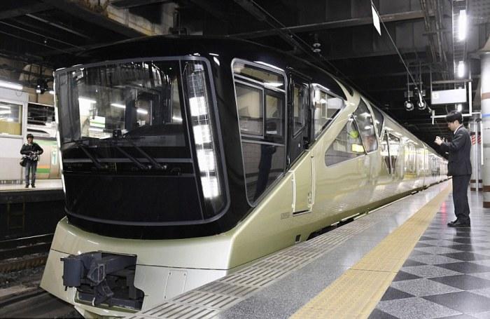 Shiki-Shima - поезд класса люкс от создателя Porsche, Ferrari и Maserati.