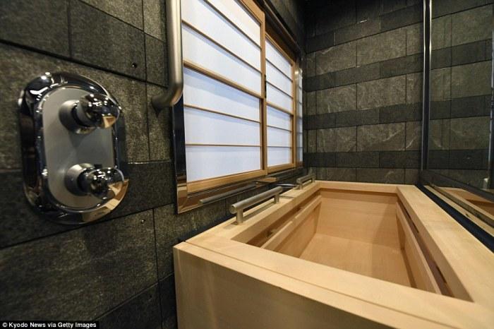 Роскошные апартаменты с ванной.