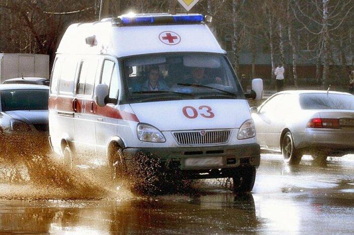 Не ждем пока станет еще хуже - вызываем скорую помощь. /Фото: nevworker.ru.