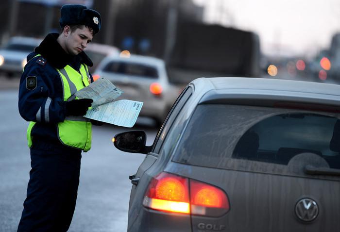 В данном опросе закон на стороне полиции. /Фото: novosti-saratova.ru.