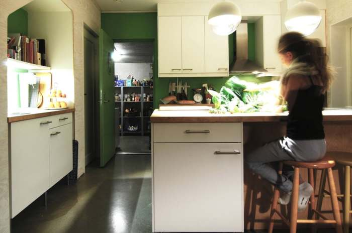 Рядом можно сделать кухню.