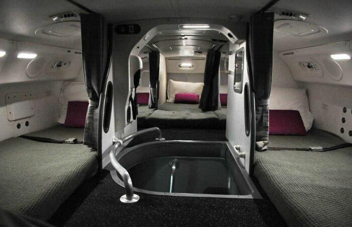 Для экипажа есть секретные комнаты отдыха. /Фото: ya.ru.