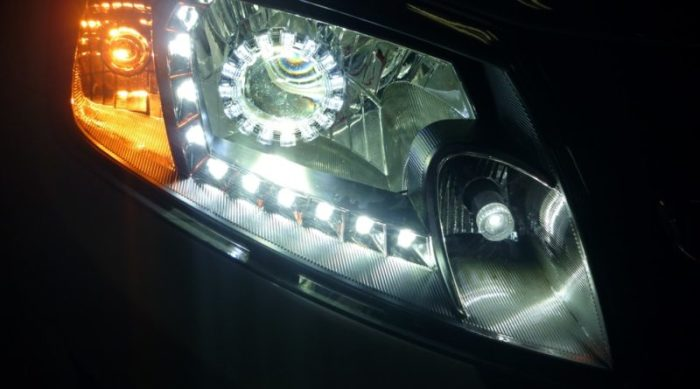 Осветительные приборы также стареют.