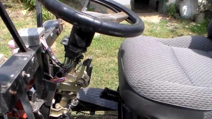 Обязательно внимательно проверяем рулевое управление.