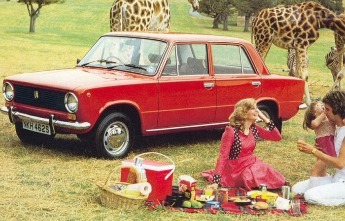 Как в СССР делали праворульные машины.