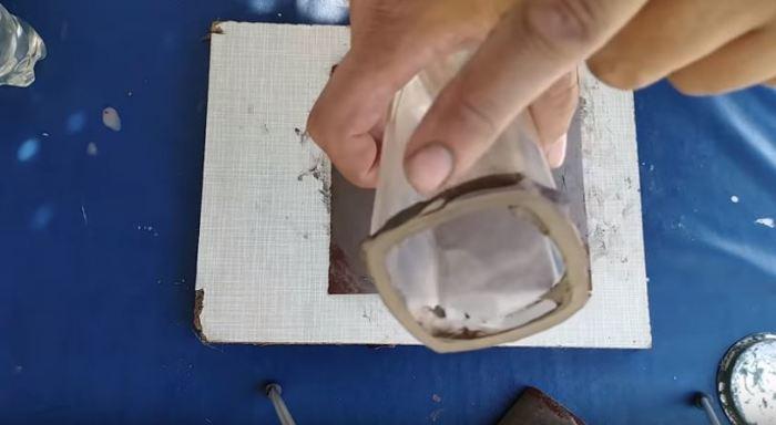 Остается зачистить все опасные углы и помыть. /Фото: youtube.com.