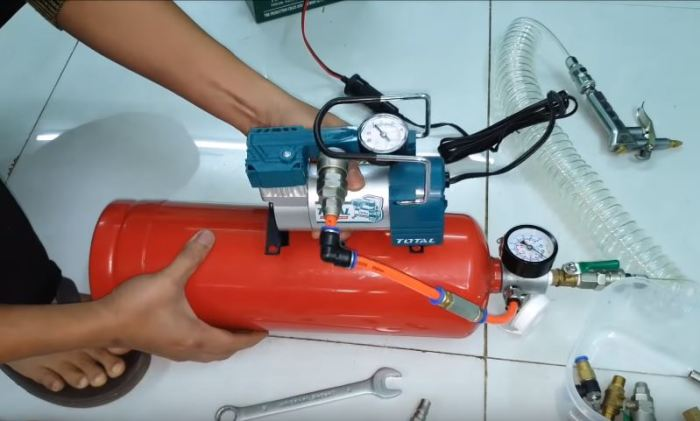 Установить ресивер и сделать ножки. /Фото: youtube.com.