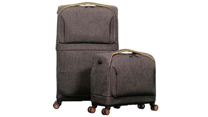 Одно движение - два чемодана.