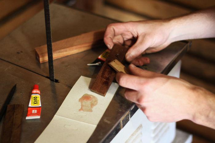 Работа не сложная, но очень важная.  /Фото: instructables.com.