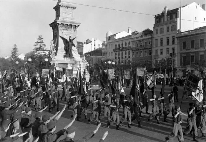 В Португалии в 1930-е годы был построен фашистский режим. /Фото: stormfront.org.
