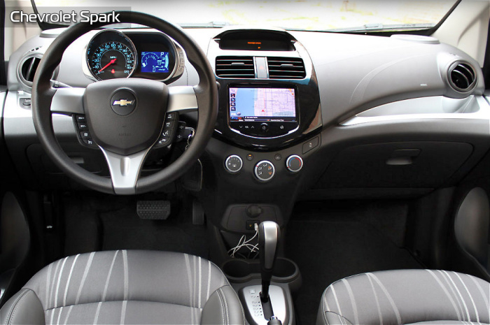 Очень удобно сидеть в Chevrolet Spark.