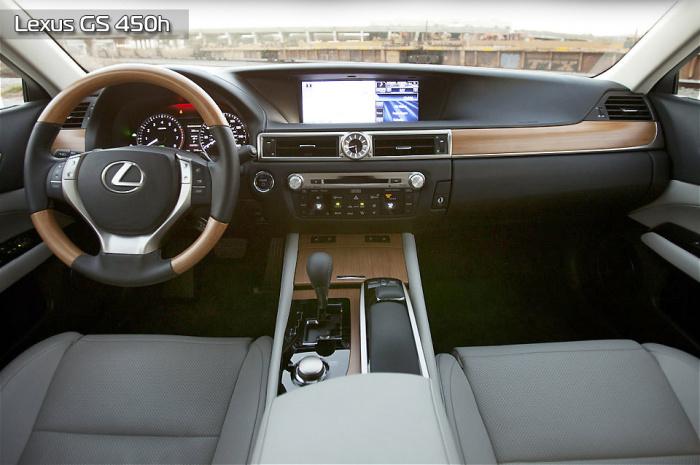 Приятно и добротно выглядит салон Lexus GS 450h.