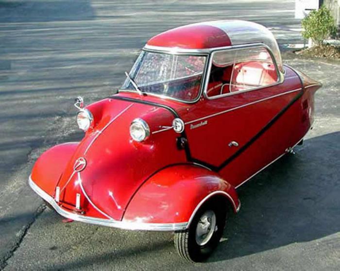 Крошечный и забавный автомобиль.