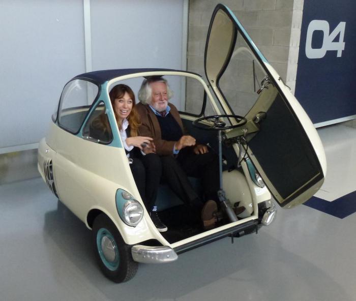 Вот это действительно маленький автомобиль BMW.
