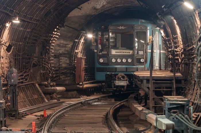 Иногда притормаживают специально. /Фото: metro-photo.ru.