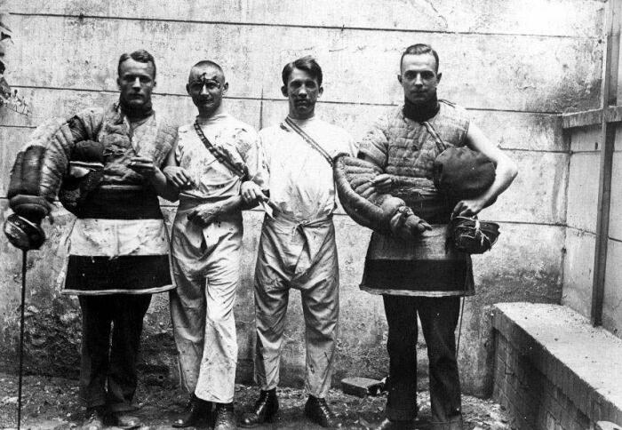 Фехтование запретили в 1933 году при Гитлере. /Фото: monpartya-mos.ru.