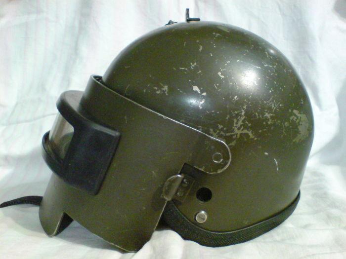 Тяжелый шлем отлично защищает. /Фото: guns.allzip.org.