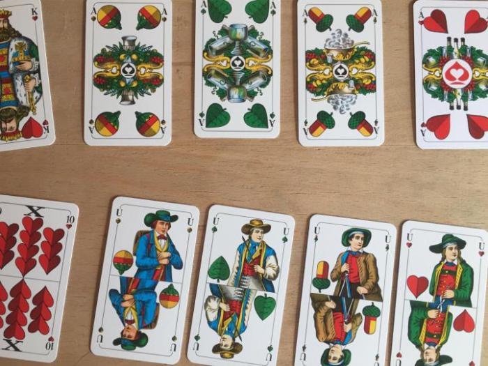 Немецкая колода весьма популярна. /Фото: auction.ru.